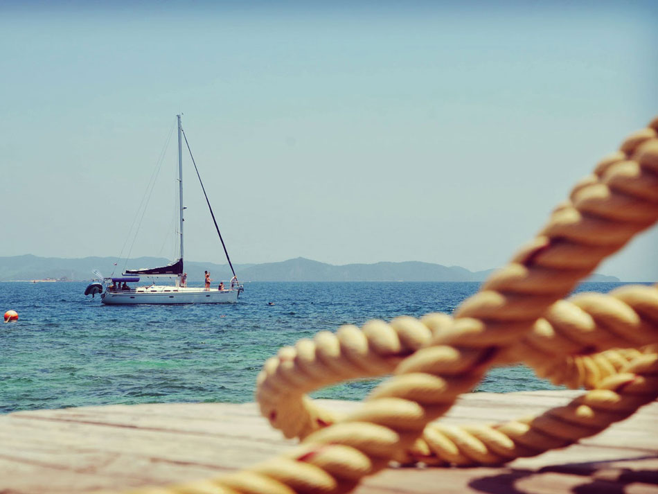 10 reasons for sailing instead of working