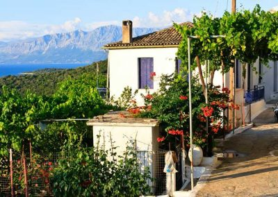 spartochori-village-uphill-900x473